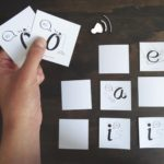 An ESL sounds memory game to practice English vowel names for spanish-speaking kids. By kids activities designer Rodrigo Macias