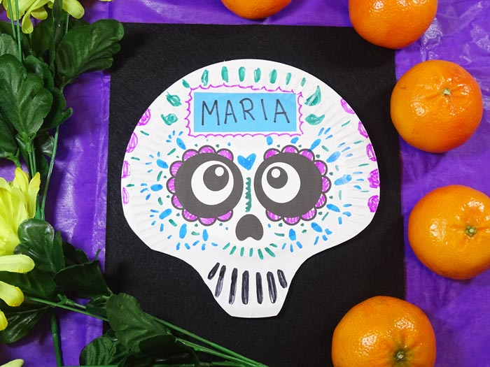 Catrina Paper Plate skulls to make with kids for Day of the Dead #dayofthedead #paperplate #craft #halloween